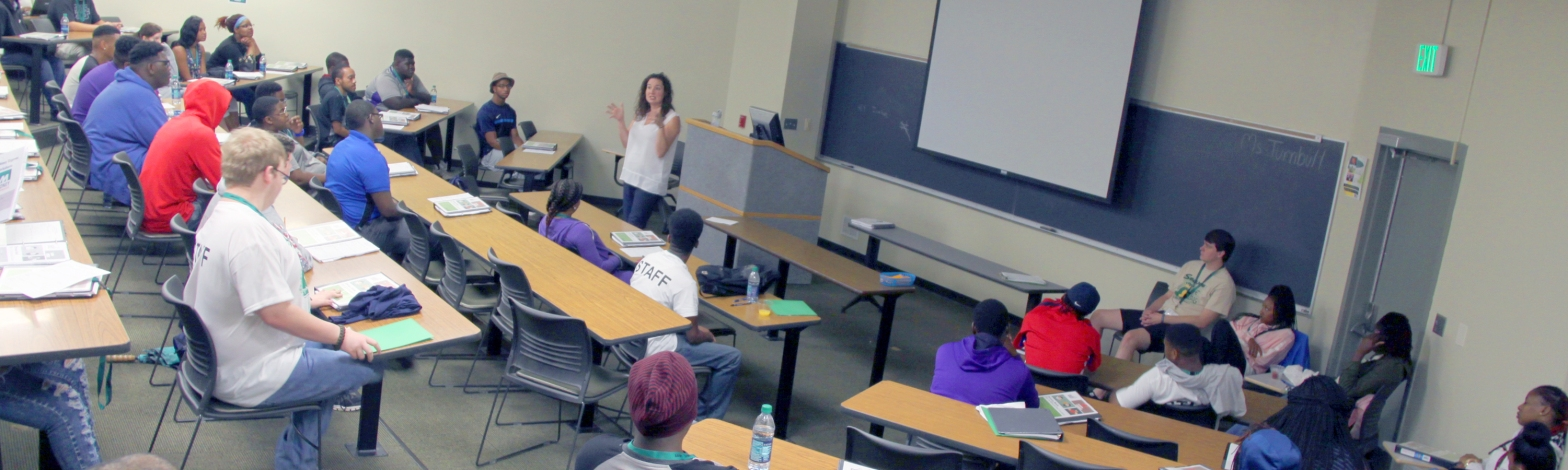 Elizabeth Turnbull, an instructor in the UAB School of Business, speaks at her session